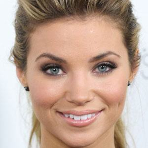 Amber Lancaster 1 of 5
