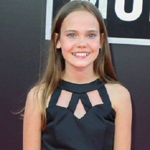 Oona Laurence 1 of 4