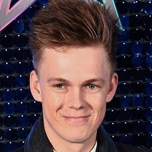 Caspar Lee - Bio, Facts, Family | Famous Birthdays
