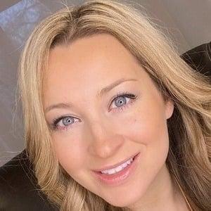 Ashley Leggat 1 of 9