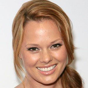 Kate Levering Headshot