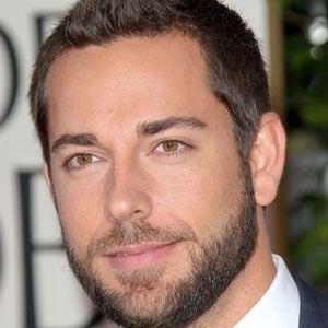 Zachary Levi 1 of 10