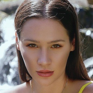 Alina Lewis 1 of 3