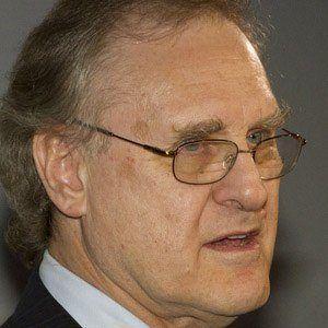 Stephen Lewis Headshot
