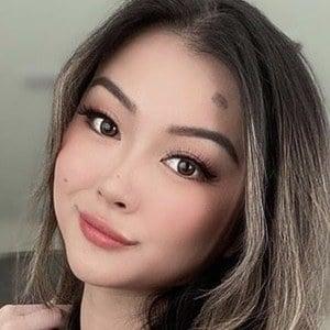 Vicki Li 1 of 6