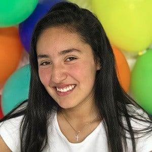 Paula Linares 1 of 6