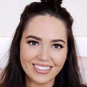Gabriella Lindley 1 of 4