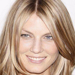 Angela Lindvall 1 of 5