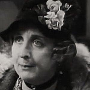 Doris Lloyd Headshot