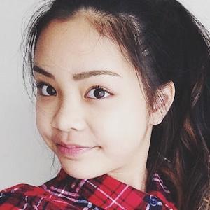 Jade Lo 1 of 6