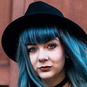 Zoe London 1 of 2