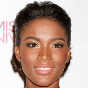 Leila Lopes 1 of 5