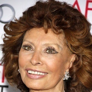 sophia loren bio facts family famous birthdays