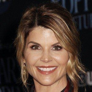 Lori Loughlin 1 of 10