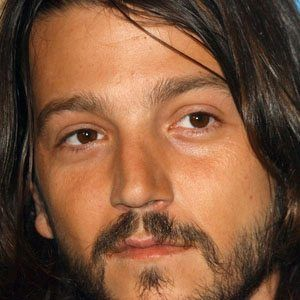 Diego Luna 1 of 10