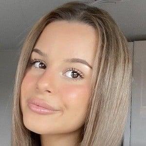 Bella Lupascu 1 of 6