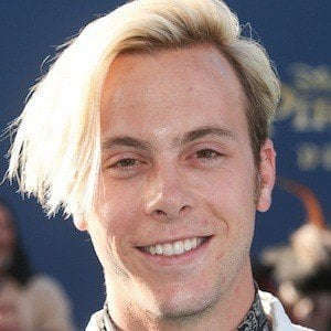 Riker Lynch 1 of 6