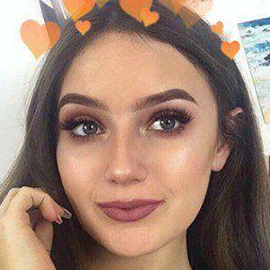 Hannah Lyne 1 of 6