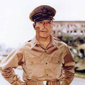 Douglas MacArthur 1 of 4