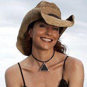 Simmone Jade Mackinnon Headshot