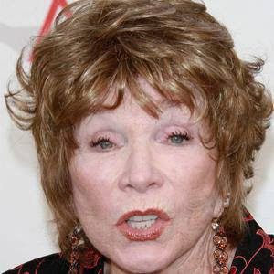 Shirley MacLaine 1 of 10