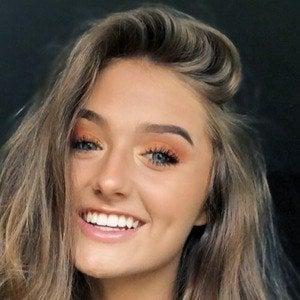 Emma Malone 1 of 5
