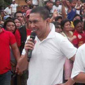 Jose Manalo Headshot
