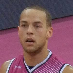 Andrej Mangold Headshot