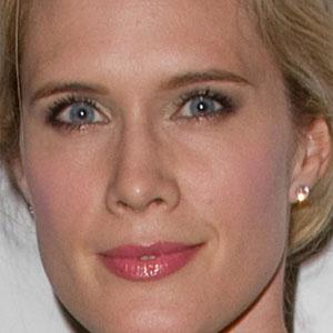 Stephanie March 1 of 9