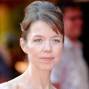 Anna Maxwell Martin Headshot