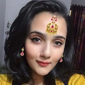 Riya Mavi 1 of 5