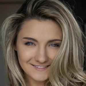 Maddie Mayo Headshot 1 of 3