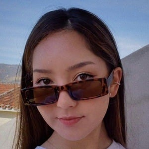 Gabriela Mayumi Headshot 1 of 10