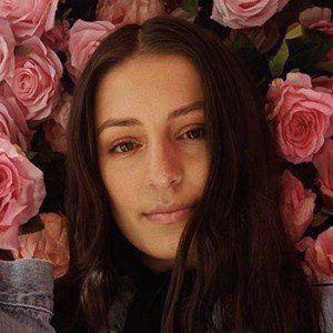 Brianna Mazzola 1 of 6