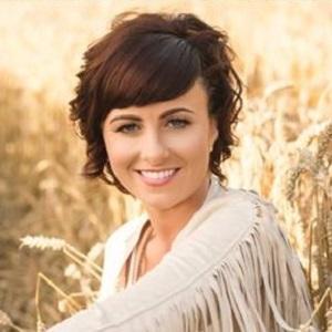 Lisa McHugh Headshot