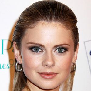 Rose McIver 1 of 8