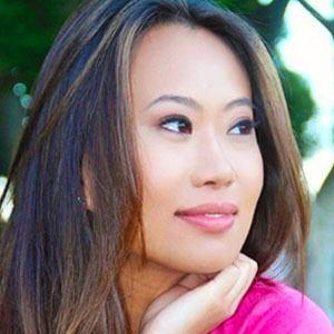 Kelly Mi Li 1 of 4