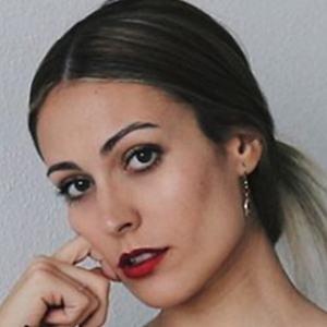 Andrea Mirela 1 of 5