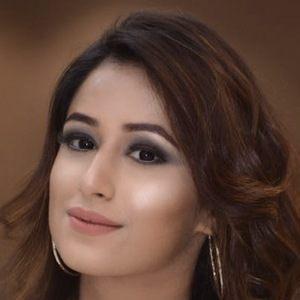 Maera Mishra 1 of 4
