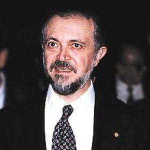 Mario Molina Headshot
