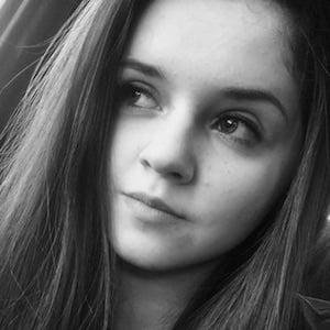 Hannah Moncur 1 of 10