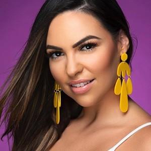Lea Montes 1 of 6