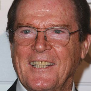 Roger Moore 1 of 8
