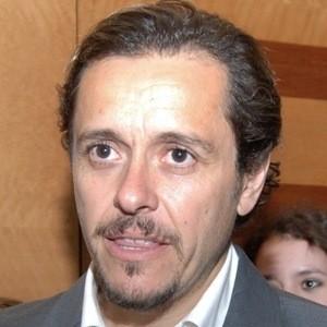 Álvaro Morales Headshot