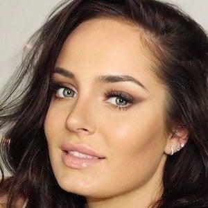 Chloe Morello 1 of 10