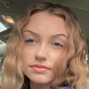 Daisy Morris Headshot 1 of 2