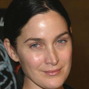 Carrie-Anne Moss 1 of 5