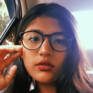 Momina Munir 1 of 5