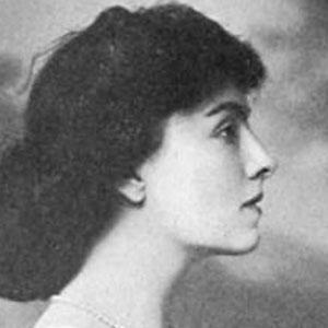 Mary Nash Headshot