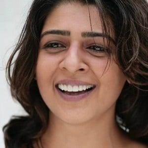 Nisha Nayar 1 of 5